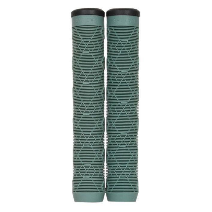 Zelené gripy na koloběžku Native - délka 18 cm