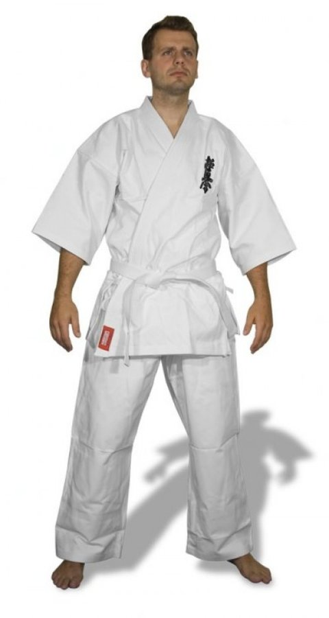 Bílé kimono na karate Fighter