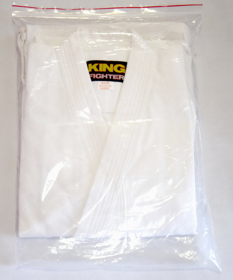 Bílé kimono na karate Master