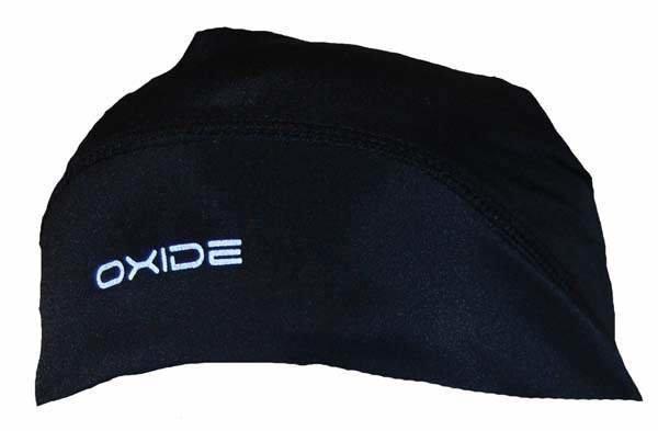 Černá běžecká čepice OXIDE, 2117 of Sweden - univerzální velikost